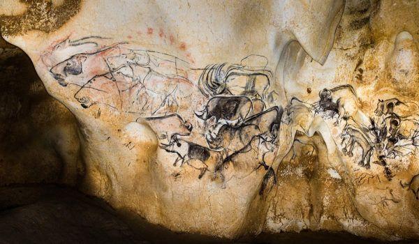 La grande fresque de La Grotte Chauvet Pont d'Arc ©Lionel GUICHARD PERAZIO